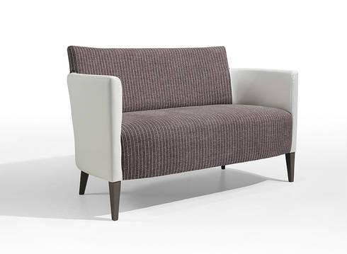 Petra Double Armchair: Sala de estar  por Fenabel-The heart of seating