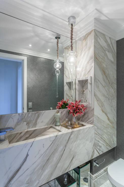 Baños de estilo  por Martins Valente Arquitetura e Interiores