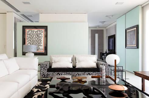 apartamento jardins: Salas de estar modernas por Toninho Noronha Arquitetura