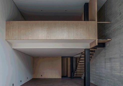 Hesiodo: Salas de estilo minimalista por Cm2 Management