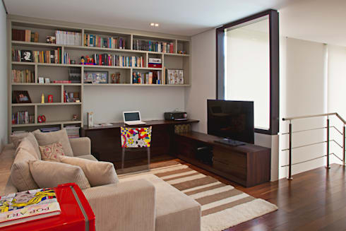 Home Office com Estar Intimo integrado: Escritórios  por LUIZE ANDREAZZA BUSSI INTERIORES+ CORPORATIVO