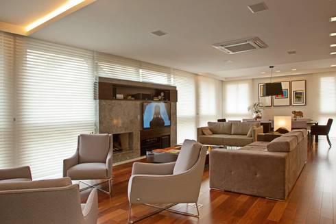 LIVING: Salas de estar modernas por LUIZE ANDREAZZA BUSSI INTERIORES+ CORPORATIVO