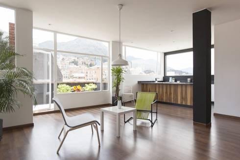 Remodelación de Apartamentos: Salas de estilo moderno por ODA - Oficina de Diseño y Arquitectura