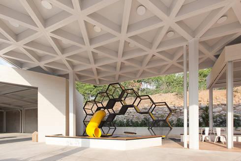 Camina – Paradas Integrales de Carretera: Espacios comerciales de estilo  por ODA - Oficina de Diseño y Arquitectura