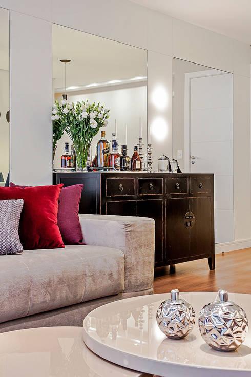 APARTAMENTO LT: Salas de estar  por Studio Boscardin.Corsi Arquitetura