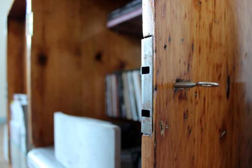 baúteca: Sala de estar  por crónicas do habitar