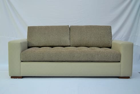 love-seat: Salas de estilo moderno por fabrica de ideas