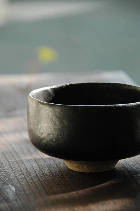 茶碗-3: ceramica yyttが手掛けたアートです。
