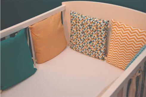 tour de lit 6 coussins d houssables jaune moutarde et bleu canard par ma cocotte homify. Black Bedroom Furniture Sets. Home Design Ideas