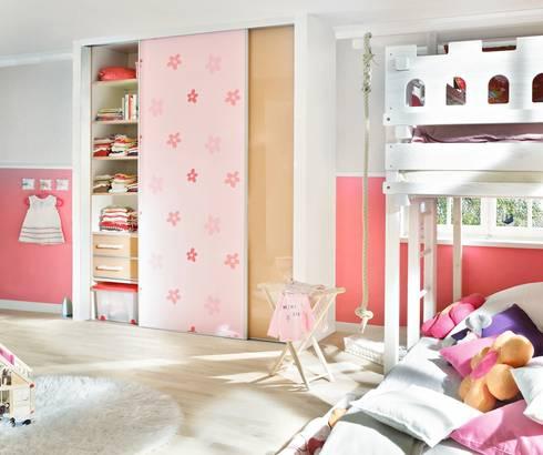 von wand zu wand por cabinet schranksysteme ag homify. Black Bedroom Furniture Sets. Home Design Ideas