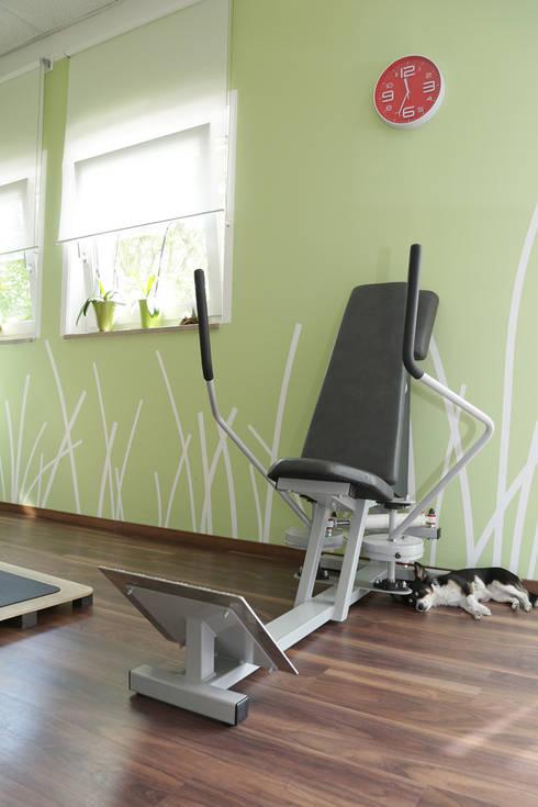 Fitnessraum:  Geschäftsräume & Stores von Büro Köthe