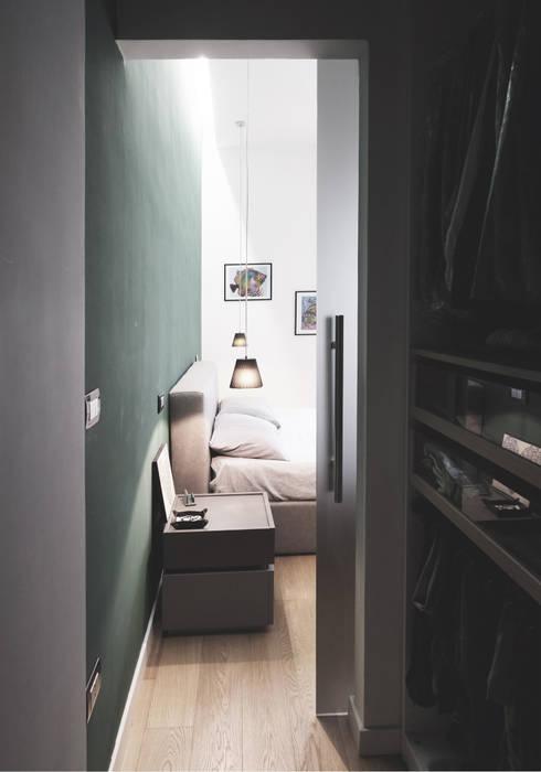 Private House: Spogliatoio in stile  di ZETAE Studio