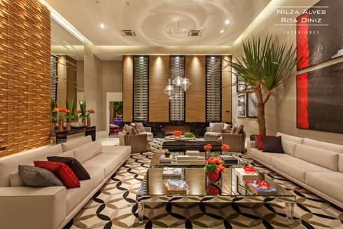 Living: Salas de estar modernas por Nilza Alves e Rita Diniz