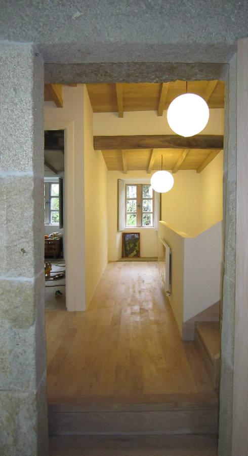 الممر والمدخل تنفيذ Ezcurra e Ouzande arquitectura