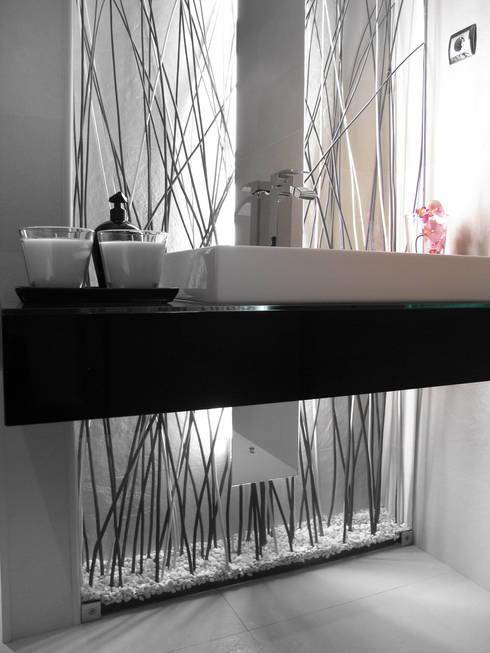 WC Social – Moradia: Casas de banho minimalistas por Andreia Alexandre Interior Styling