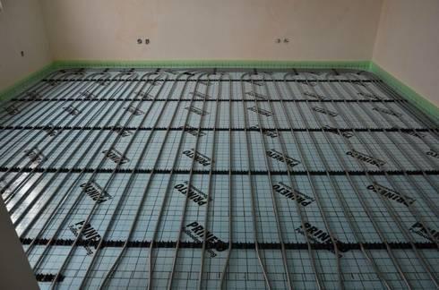 (4) Underfloor heating / piso radiante: Paredes  por Dynamic444