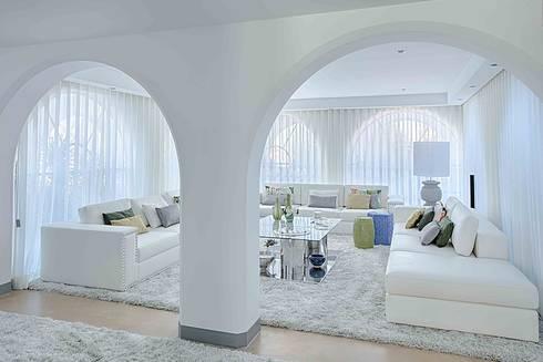 MORADIA RESTELO: Salas de estar modernas por Artica by CSS