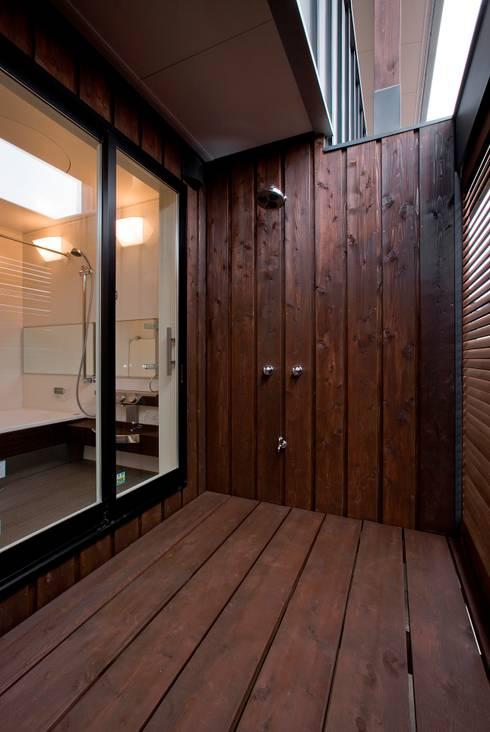 新田の家: 空間設計室/kukanarchiが手掛けた浴室です。