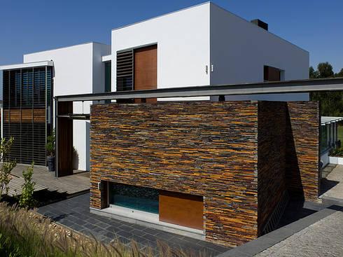MORADIA BELAS: Casas modernas por Artica by CSS