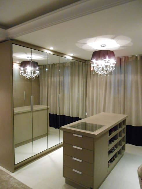 غرفة الملابس تنفيذ Mariana Von Kruger Emme Interiores