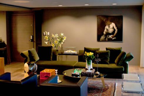 Departamento en Polanco I: Salas de estilo ecléctico por MAAD arquitectura y diseño