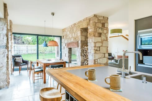 Solid House, North Berwick: modern Kitchen by Chris Humphreys Photography Ltd