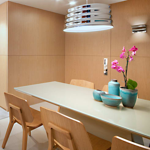 Nosso primeiro AP: Sala de jantar  por Coutinho+Vilela