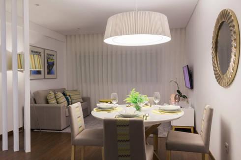 Depois.: Sala de jantar  por Alma Braguesa Furniture