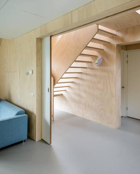 ระเบียงและโถงทางเดิน by Kwint architecten