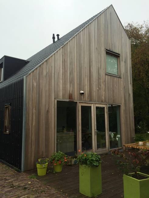 Schuurwoning Terheyl: minimalistische Huizen door Kwint architecten