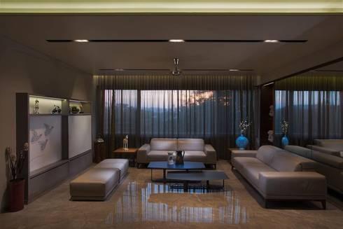 Lunavat residence: modern Living room by Archtype