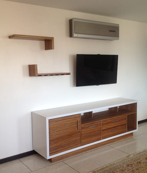 Vista general del mueble.: Estudio de estilo  por Demadera Caracas