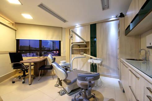 Sala Odontologia : Clínicas  por Régua Arquitetura
