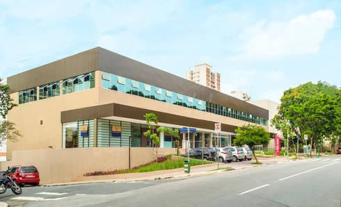 Meio Arquitetura - Open Mall Verbo Divino - Fachada Verbo Divino - SP: Espaços comerciais  por Meio Arquitetura