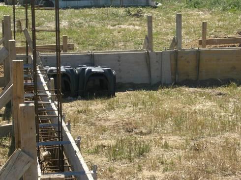 Apontamento de lage em Modulos GEOPLAST.: Casas campestres por knowhowtobuild