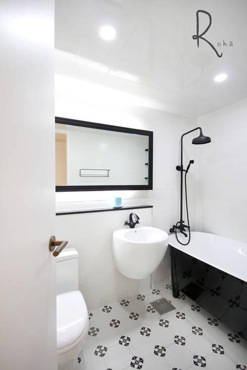 scandinavian Bathroom by 로하디자인