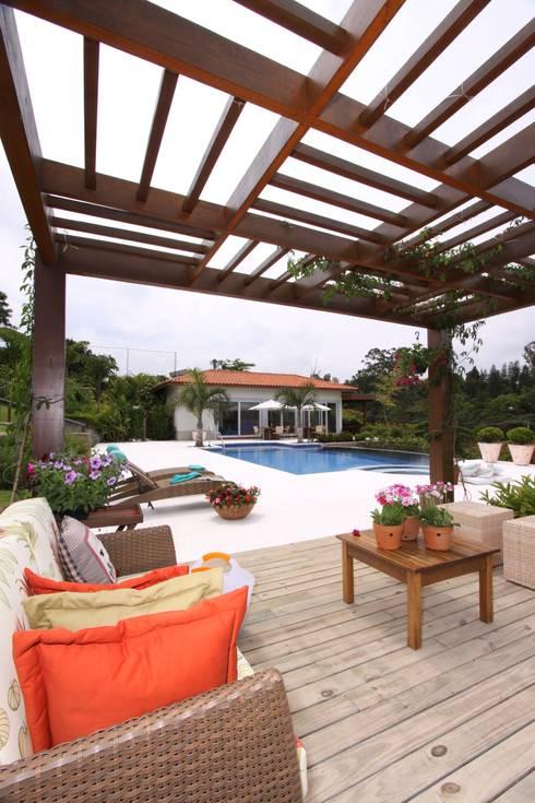 Área externa SK: Piscinas modernas por Gordeeff Arquitetos Associados