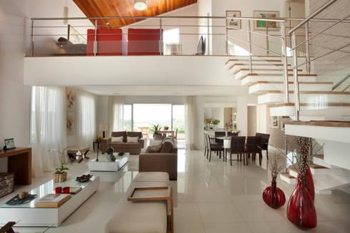 Residencial em Condominio : Salas de estar modernas por Habitat arquitetura
