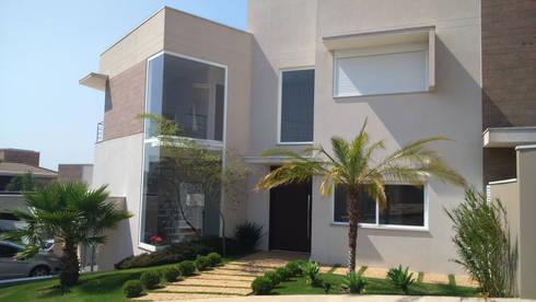 Residencia em Condominio: Casas modernas por Habitat arquitetura