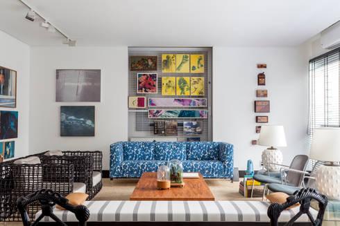 APTO. JARDINS – ED. TRES MARIAS: Salas de estar modernas por AMMA PROJETOS