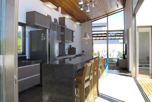 Área de Lazer: Piscinas modernas por Andrea Vasconcelos Arquitetura e Design