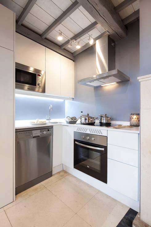 Cucina in stile  di The Sibarist Property & Homes