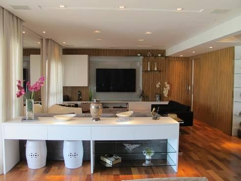 Residencia / Apartamento: Salas de estar modernas por Andrea Vasconcelos Arquitetura e Design