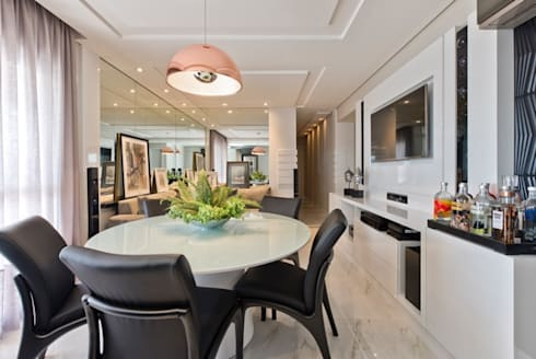 Ap Casal Jovem: Salas de jantar modernas por Fabi Yoneoka Interior Design