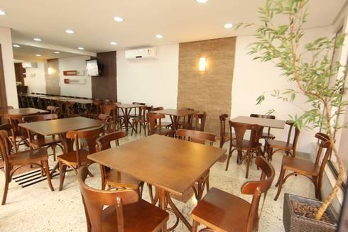 Vila Vergueiro: Salas de jantar clássicas por Carla Almeida Arquitetura