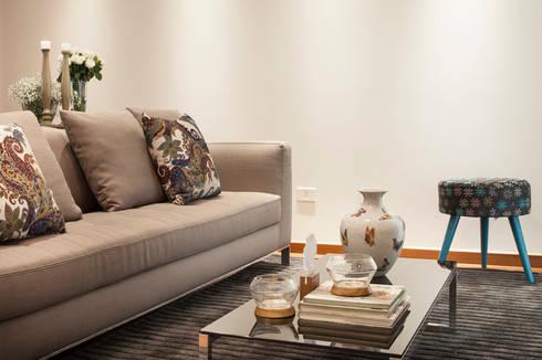 Casa São Caetano: Salas de estar modernas por Carmen Anjos Arquitetura Ltda.