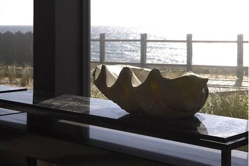 Casa Ofir: Salas de jantar modernas por Ana Lobo
