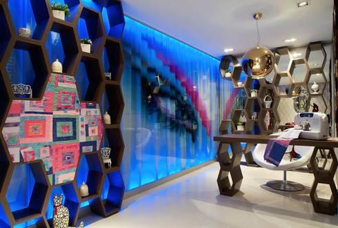 Casa Cor 2011 - Ateliê: Salas de estar modernas por Studio Guilherme Bez