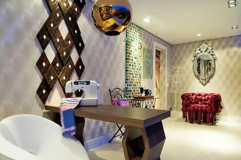 Casa Cor 2011 – Ateliê: Salas de estar modernas por Studio Guilherme Bez