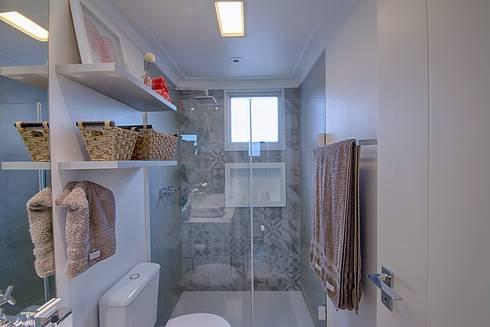 Apartamento Santana: Banheiros modernos por Veridiana França Arquitetura de Interiores